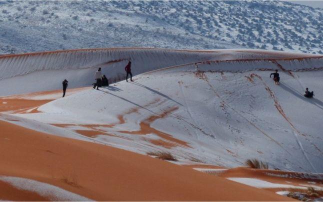 Imagini pentru A nins în deşertul marocan